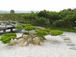 imagenes de jardines japones jardineros en acción jardín japonés