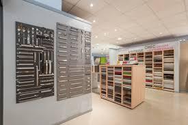 magasin de cuisine découvrez en image notre showroom cuisines de plus cuisine plus
