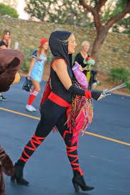 disfraces halloween tienda party city jessica chastain kate hudson jessica alba go 50s chic for katy