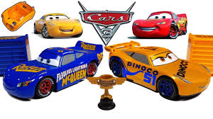 disney cars 3 toys fabulous lightning mcqueen and dinoco cruz