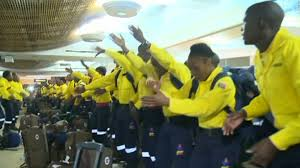 Wildfire Fighting Canada by South African Firefighters Dance For Canadian Community Cnn Video
