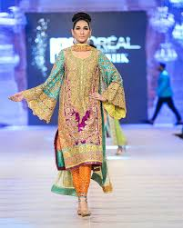 397 best pakistani fashion images on pinterest pakistani dresses