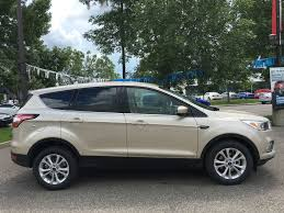 ford escape new 2017 ford escape se in calgary 17es0123 maclin ford