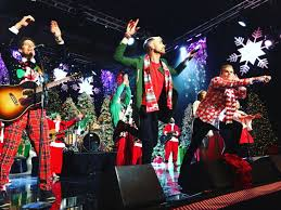 Six Flags Tinseltown What You Need To Know About The Hollywood Christmas Parade U2013 Daily