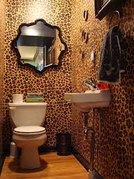 zebra bathroom decorating ideas exles of decorating with leopard print wallpaper