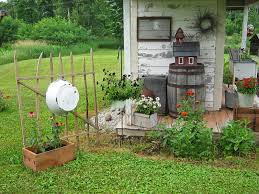 best 25 primitive garden decor ideas on country