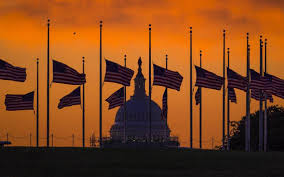 Why Are The Flags Flying Half Mast When Half Staff Goes Full Time U S Texas Flags Were Lowered