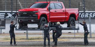 Pickuptrucks Com 1973 To 1998 First Look 2019 Chevy Silverado Uses Steel Bed To Tackle F 150