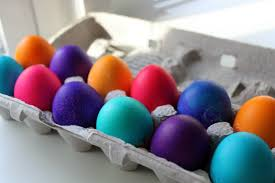to color easter eggs with food coloring