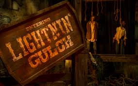 when does halloween horror nights start 2016 houses and scarezones revealed for hhn 26