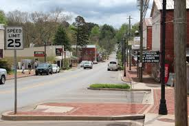 best towns in georgia 13 small towns in georgia that are worth the drive