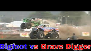 grave digger 30th anniversary monster truck bloomsburg monster truck racing bigfoot vs grave digger 1 youtube