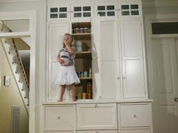 How To Paint White Kitchen Cabinets by How To Paint Maple Kitchen Cabinets Antique White House