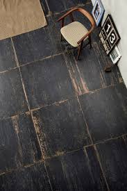 Laminate Flooring That Looks Like Real Wood Amazing Distressed Wood Looking Tile