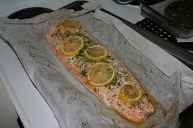 cuisiner un filet de saumon un autre saumon et une aubergine doréus en alberta