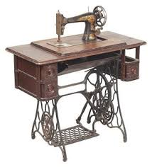 Singer Sewing Machine With Cabinet by 46 Best Sewing Cabinet Images On Pinterest Sewing Cabinet