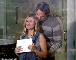 car commercial girl short blond hair pregnant kristen bell stars in new samsung galaxy tab s commercial