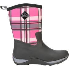 s muck boots size 11 25 pink muck boots ideas on camo muck boots