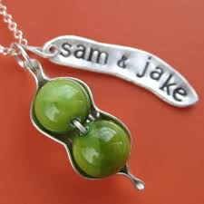 two peas in a pod jewelry personalized two peas in a pod necklace