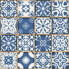 nahtlose patchwork muster aus dunklen blauen und weißen
