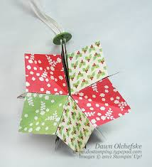 stin up paper folded ornament dosting with