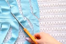 How To Make T Shirt Yarn Rug Cutting T Shirt Yarn U2013 Craftbnb