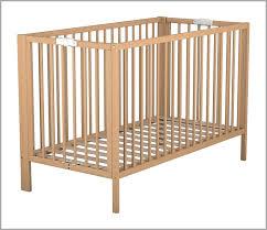 chambre bébé laqué blanc lit maternelle 598258 ateliers t4 lit bébé pliant laqué blanc amazon