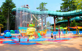 Six Flags Boston The Waterparks You U0027ll Want To Cool Off At This Summer Travel