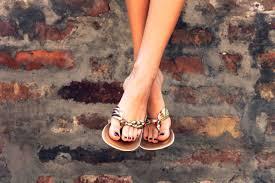 foot doctors u0027 tips for pain free sandals reader u0027s digest