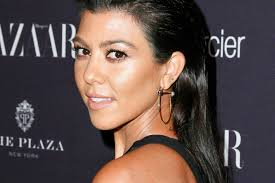 kourtney kardashian froze when a tv anchor asked about kim