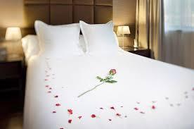 chambre pour une nuit décoration chambre pour nuit romantique exemples d aménagements