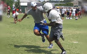 Overview   Michael Irvin Playmakers Academy featuring Dallas     Sports International Football Camps