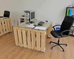 modele bureau bureau en palette modèles diy et tutoriel pour le fabriquer soi même