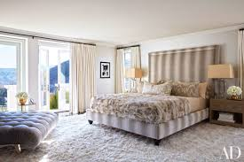 kourtney kardashian bedroom khloé and kourtney kardashian realize their dream homes in