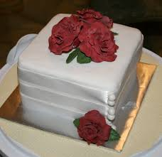 cake boss bridezilla one stop wedding square wedding cake with roses