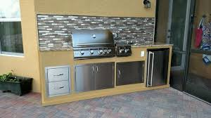 outdoor kitchen backsplash built in outdoor bbq kitchen with mosaic backsplash southwestern