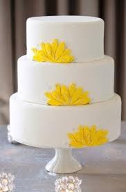 31 lovely and joyful yellow wedding cakes weddingomania
