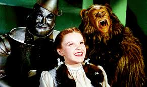 tom brady and gisele bundchen dressed up as the cowardly lion and