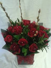 Roses In A Box 12 Red Roses In A Box Flower Designs Worthing Florist