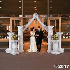 wedding arches and columns columns