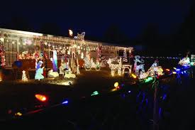 where to go see christmas lights holiday lights where to go to see the lights breaking