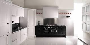 piano pour cuisine delightful cuisine blanche en bois 3 piano de cuisine pour les