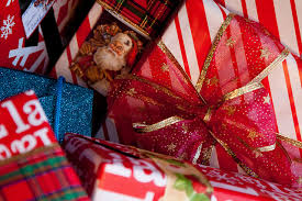 christmas gifts for employees the top 10 budget employee christmas gifts that your staff will
