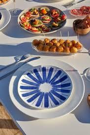 vaisselle en terre cuite 20 best la tendance bleue images on pinterest dishes vases and