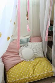 Knot Pillows by Mommy Vignettes Diy No Sew Tent Canopy Tutorial