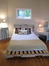 Schlafzimmer Bett Selber Bauen Europaletten Bett Ganz Einfach Selber Bauen U2013 Ausführliche Anleitung