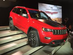 jeep grand cherokee trailhawk off road jeep grand cherokee trailhawk crawls into nyc ny daily news