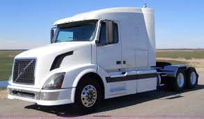 volvo semi truck 2004 volvo vnl 64t semi truck item a1875 sold march 21