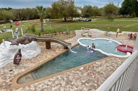 Cottages To Rent With Swimming Pools by 12 Vacation Rental Pools That Wow The Flipkey Blog