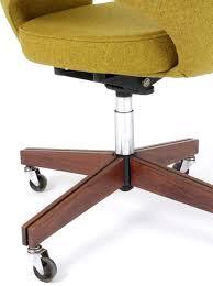 fauteuil de bureau knoll galerie alexandre guillemain artefact design saarinen eero